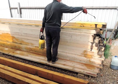 как обработать древесину антисептиком